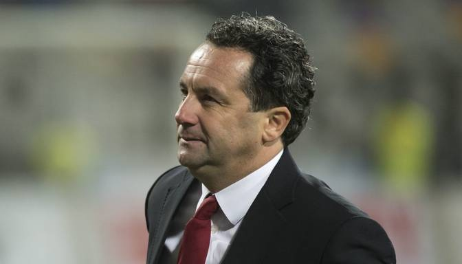 Latvijas futbola izlasi turpmāk vadīs Slaviša Stojanovičs