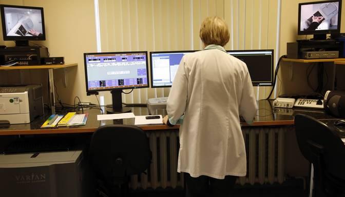 Divas Saeimas komisijas izvērtēs iespēju rast nepieciešamo finansējumu vēža ārstēšanai