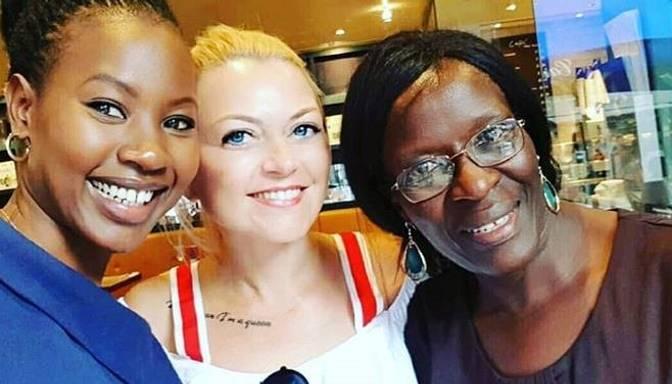 Kristīnei Lindenblatei nav vienaldzīgs Āfrikas liktenis! Skaistule būvēs Ugandā skolu