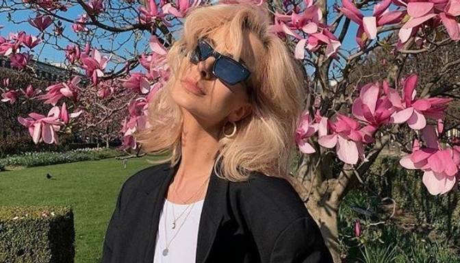 Foto: romantiskajā Parīzē modes eksperte Agnija Grigule bauda pavasari