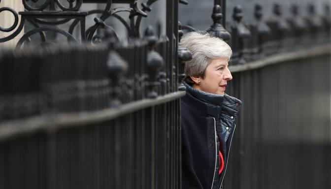 "Meja lūgs ES pagarināt ""Brexit"" termiņu"