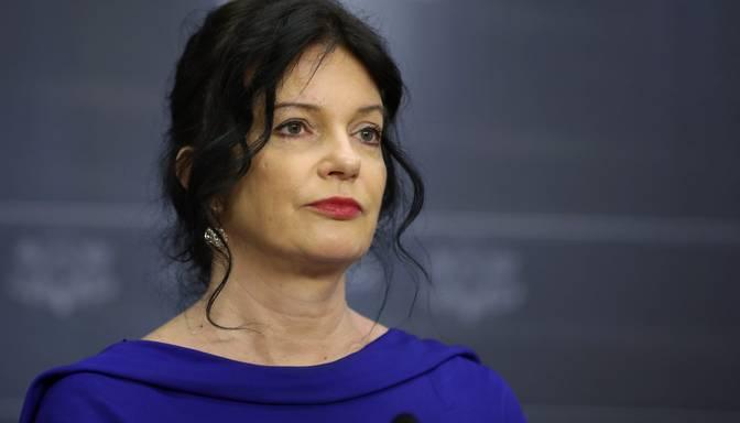 Petraviča atzīst, ka nav viegli apvienot labklājības ministres un Saeimas deputātes darbu
