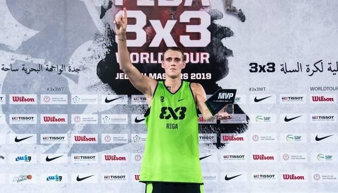 Sācies fanu balsojums par 3×3 basketbola Pasaules tūres sezonas spilgtāko spēlētāju