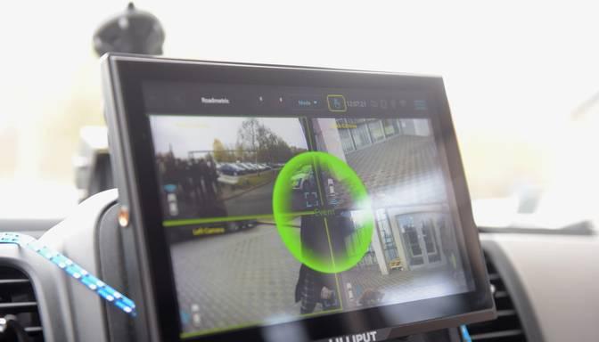 Policijas auto ar 360 grādu kameru nepilna gada laikā konstatējis ap 7000 pārkāpumu