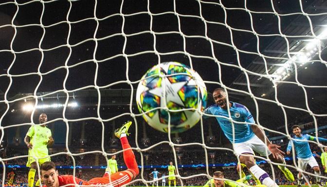 "UEFA ČL uzvaras izcīna PSG, ""Crvena Zvezda"", ""Shakhtar"", ""Manchester City"" un ""Atletico"""