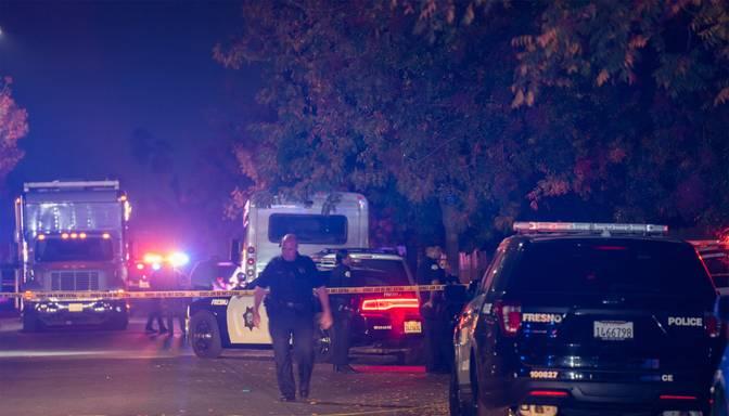 Mājas pagalmā Kalifornijā izcēlusies apšaude; četri cilvēki nogalināti, vairāki ievainoti