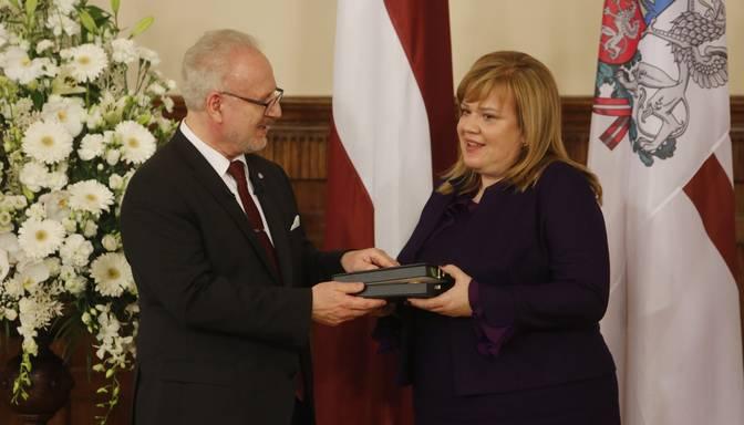 Prezidents Rīgas pilī pasniedz augstākos Latvijas valsts apbalvojumus