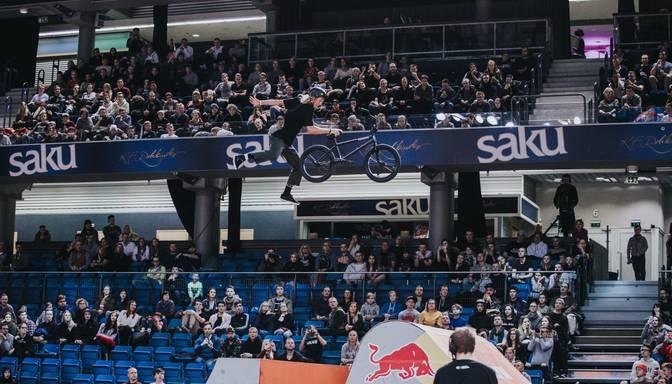 """Labākie BMX frīstaileri un skeiteri Rīgā sacentīsies """"Simple Session 2020"""" kvalifikācijā"""