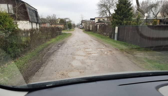 Vēlos vērst uzmanību uz ielām, kas ir sliktā stāvoklī!