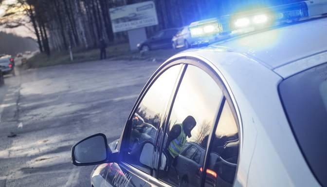 Traģēdija Siguldā: ar auto iebraucot grāvī, gājis bojā vīrietis