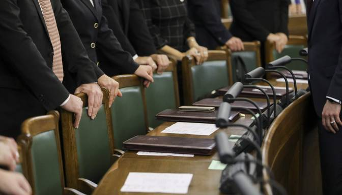 Par Saeimas atsaukšanas ierosināšanu parakstījušies vismaz 20 000 cilvēku