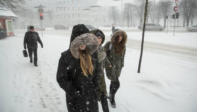 Drīzumā sagaidīsim daudz sniega: meteorologi prognozē, kāds laiks būs decembra sākumā