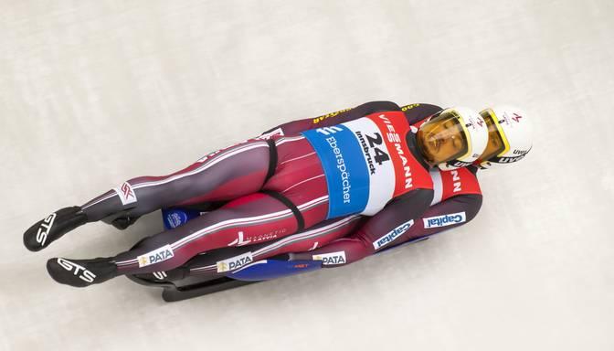 Latvijas kamaniņu braucējiem piektā vieta sezonas pirmajā stafetē
