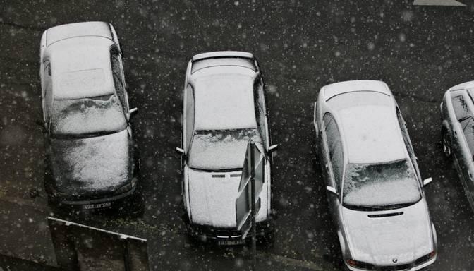 No svētdienas automašīnām jābūt obligāti aprīkotām ar ziemas riepām