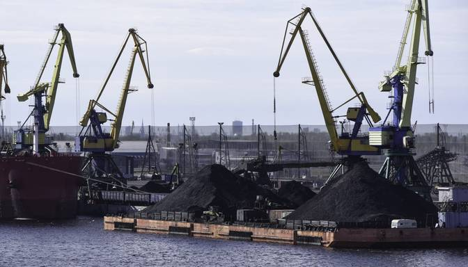 Ierēdnis: Krievijas valdība tranzītbiznesam uzdevusi konkrētā grafikā pārceltu kravas no Latvijas uz savām ostām