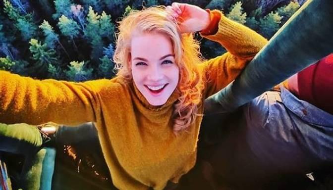 Kārdinošs foto: aktrise Ieva Florence-Vīksne kaila dodas peldēties