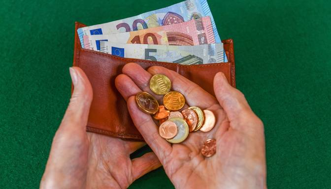 Banku analītiķi: Latvijā inflācija pamazām pieņemsies spēkā