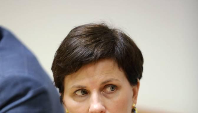 Viņķele aicina valdību domāt par valsts apmaksātām viesnīcām Covid-19 pašizolācijai