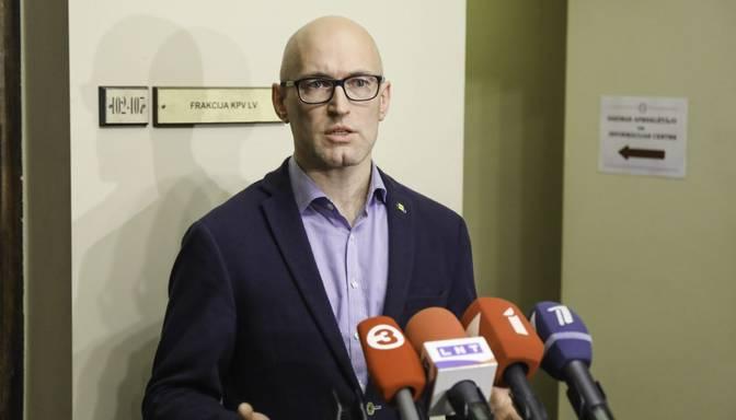 """Izskanējušais """"AstraZeneca"""" vakcīnu skaita pieaugums varētu neattiekties uz tuvākajām piegādēm Latvijai"""