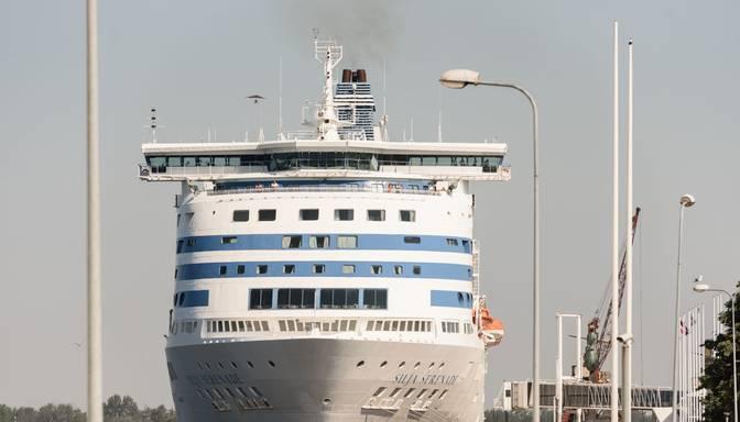 """""""Tallink"""" prasa Latvijas valdības atbalstu prāmju satiksmes turpināšanai uz Rīgu"""