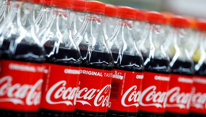 """Coca-Cola"" aptur reklāmas sociālajos medijos"