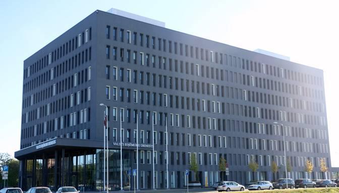 Bijušajam VID inspektoram par 700 eiro kukuļa ņemšanu piespriež brīvības atņemšanu uz trīs gadiem