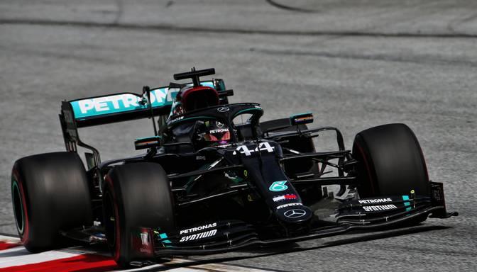 """""""Mercedes"""" piloti ātrākie Beļģijas """"Grand Prix"""" kvalifikācijā"""