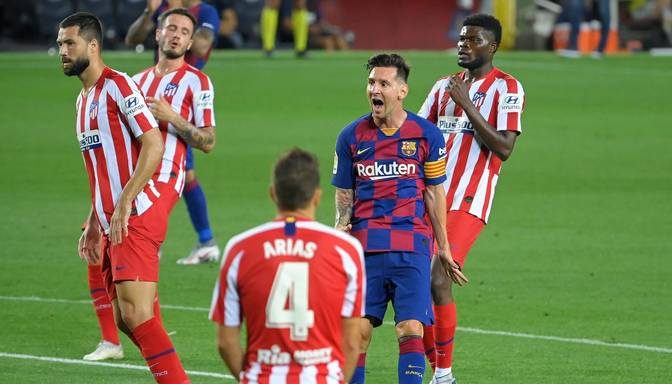 "Madrides ""Atletico"" ar divām ""pendelēm"" gaisina ""Barcelona"" izredzes uz titulu"