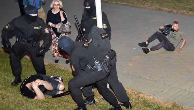 """""""Neviens negaidīja tādu vardarbību."""" Aktīviste stāsta par notiekošo Baltkrievijā"""