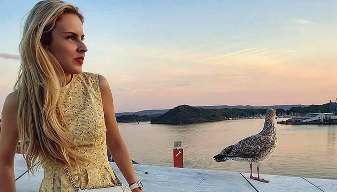"""Vasaras """"karstākie"""" aksesuāri, kas būs modē vēl ilgi – iesaka Maija Silova"""
