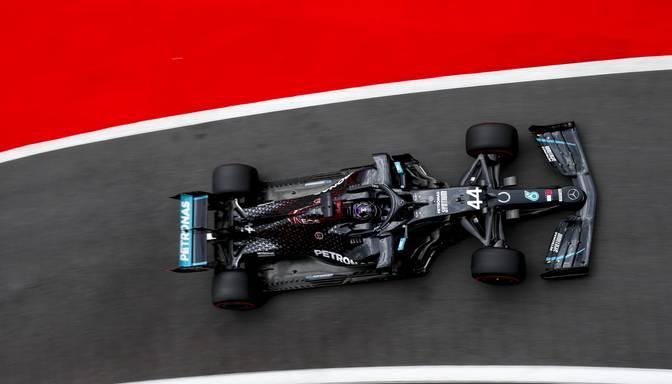 "Hamiltons Mudžello trasē iegūst 95.""pole position"""