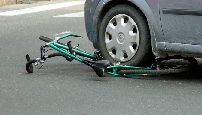 Latgalē ceļu satiksmes negadījumā gājis bojā velosipēdists