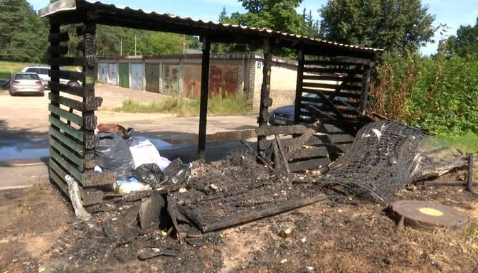Naktī atskanēja sprādzieni un degšanas trokšņi: Juglas iedzīvotājus satrauc bezatbildīgu cilvēku rīcība