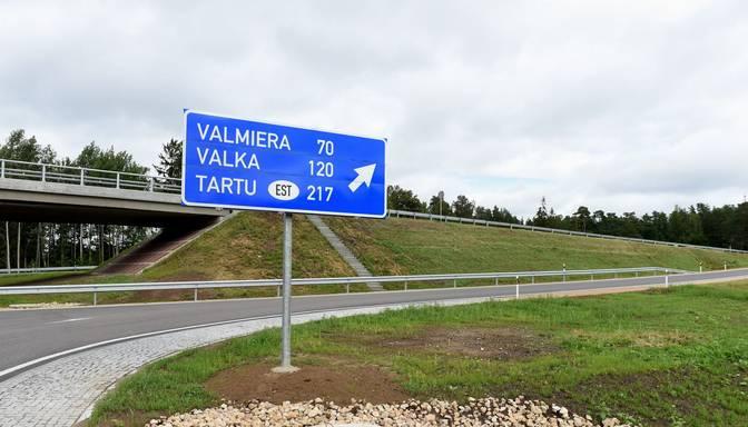 """Atklāts pēdējo divu gadu lielākais būvdarbu objekts uz valsts autoceļiem – Vidzemes šosejas posms pie """"Sēnītes"""""""
