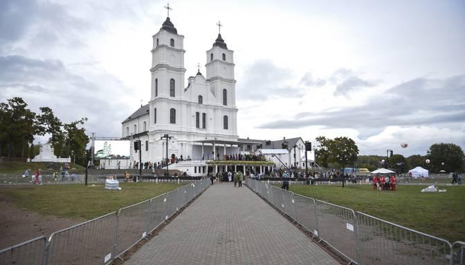 Kariņš aicina iedzīvotājus gaidāmajos svētkos Aglonā un Rīgā ievērot piesardzību