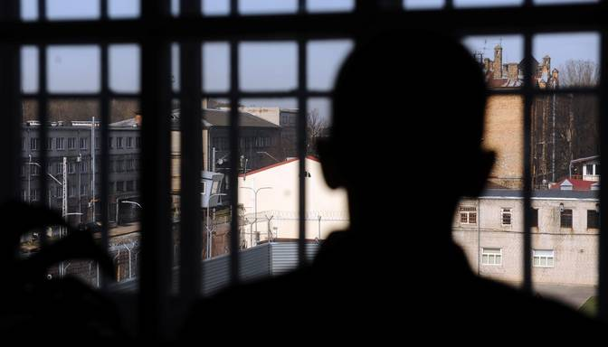Grūtnieces slepkavība Ādažos: stājies spēkā mūža ieslodzījums jaunam vīrietim