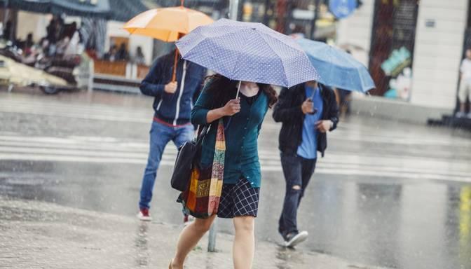 Meteorologi: Augusta izskaņā gaidāmas mēneša lietainākās dienas