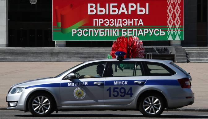 Prezidenta vēlēšanas Baltkrievijā: aizturēti septiņi Tihanovskas vēlēšanu štāba pārstāvji