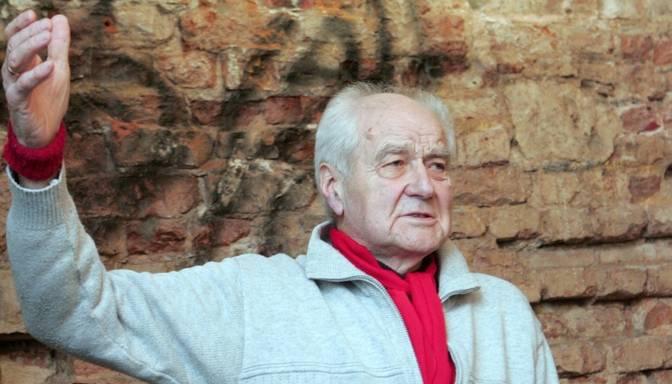Mūžībā aizgājis dzejnieks Valdis Rūja
