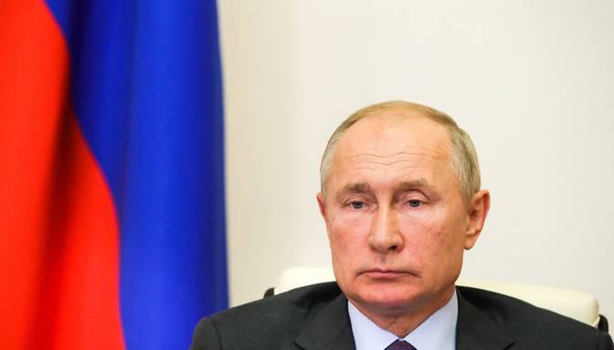 Putins sašutis par Rietumu klusēšanu pēc Latvijas vēršanās pret Krievijas telekanāliem
