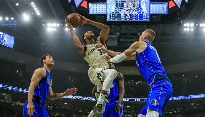 Adetokunbo otro gadu pēc kārtas kļuvis par NBA vērtīgāko spēlētāju