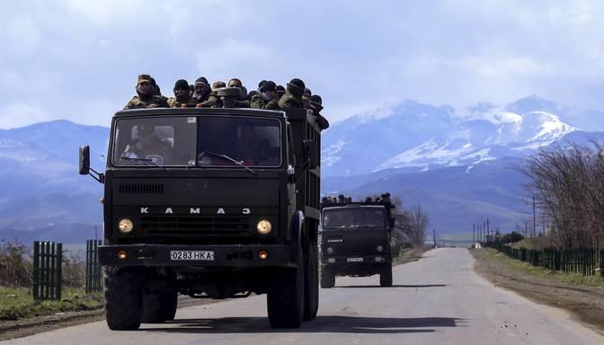 Uz Kalnu Karabahas robežas sākušās smagas kaujas