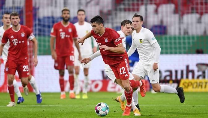 """Ontužāns savā pirmajā oficiālajā Minhenes """"Bayern"""" spēlē laukumā pavada četras minūtes"""