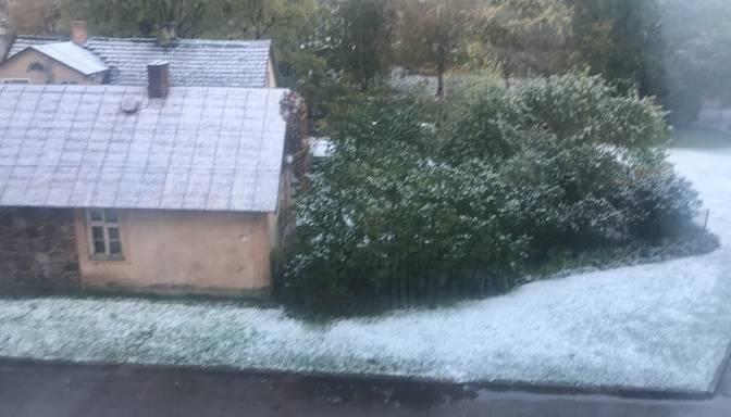 Vietām Vidzemē uzsnidzis pirmais sniegs