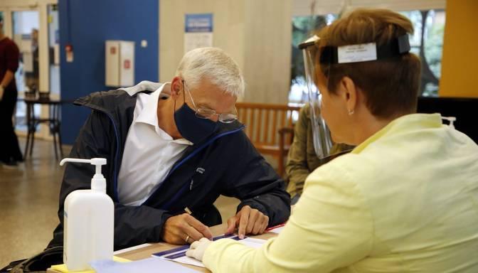 Kariņš ar PVO Latvijas vadītāju vienisprātis – sejas maskas sabiedriskās vietās ir efektīvs līdzeklis Covid-19 ierobežošanai