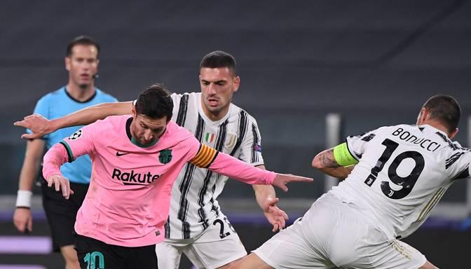 """Morata iesit trīs vārtus no aizmugures, """"Barcelona"""" izbraukumā uzvar """"Juventus"""""""