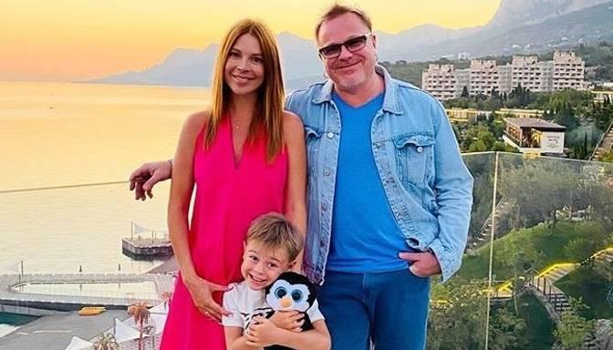 Natālija Podoļska un Vladimirs Presņakovs drīzumā kļūs par otrās kopīgās atvases vecākiem