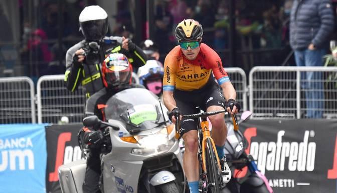 """Giro d'Italia"" 16.posma pēdējos metros uzvaru izrauj slovēnis Tratniks"