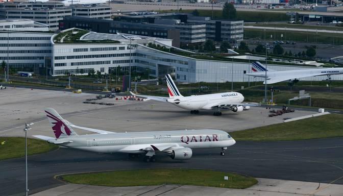 Dohas lidostā bez paskaidrojumiem liek izģērbties lidmašīnas pasažierēm