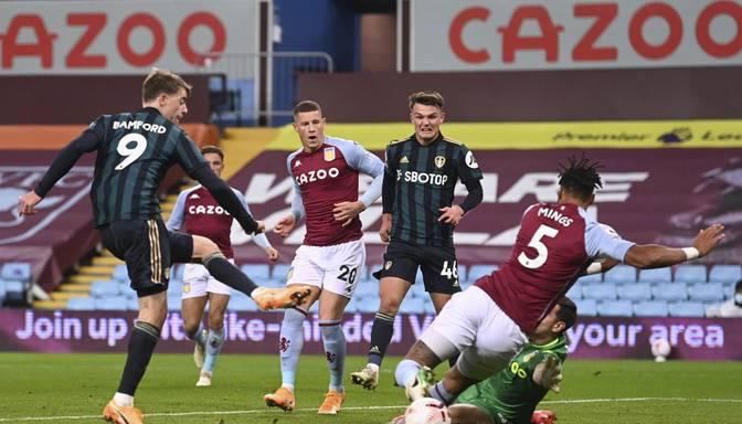 """Bamforda """"hat trick"""" ļauj """"Leeds"""" pārliecinoši uzvarēt līdz šim nezaudējušo """"Aston Villa"""""""